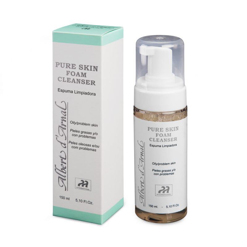 PURE SKIN FOAM CLEANSER. Cleaning foam 1